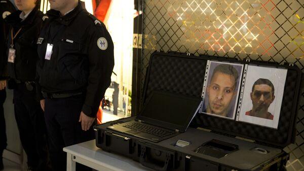 Les photos de Salah Abdeslam (G) et de Mohamed Abrini (D) - Sputnik France