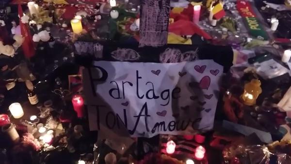 Les Belges réunis au centre de Bruxelles en hommage aux victimes - Sputnik France
