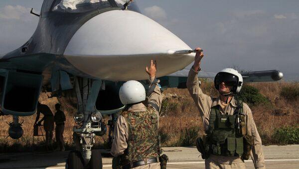 Pilotes russes à l'aéroport militaire de Hmeimim - Sputnik France