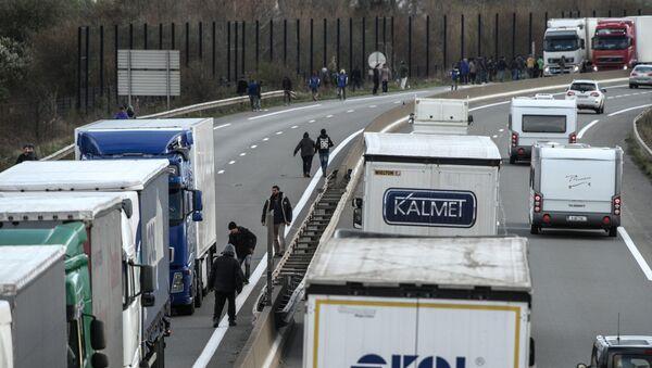 Les migrants de Calais - Sputnik France