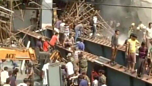 Inde: un autopont s'effondre à Calcutta, des victimes - Sputnik France