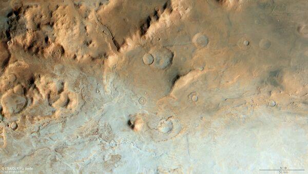 Une partie du bassin d'impact Hellas Planitia, sur Mars - Sputnik France