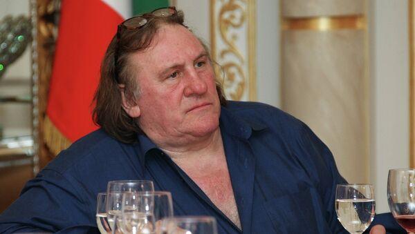 Французский актер Жерар Депардье прибыл в Грозный - Sputnik France