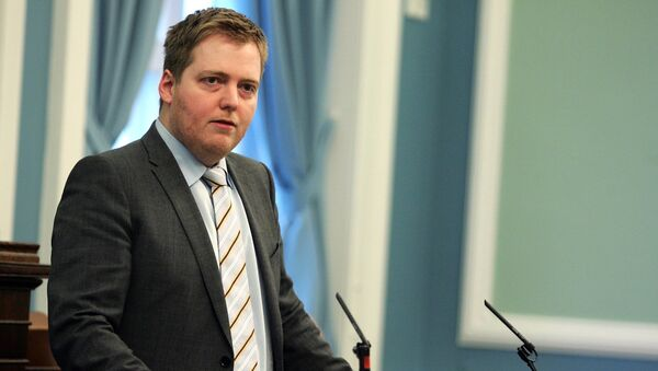 Sigmundur David Gunnlaugsson Chairman of the Progressive Party speaks in Iceland's parliament, in Reykjavik Friday Jan. 8, 2010 as the parliament debated a bill to hold a referendum over repayment of US$5.7 billion demanded by Britain and the Netherlands for depositors' money lost in failed Icelandic banks. - Sputnik France