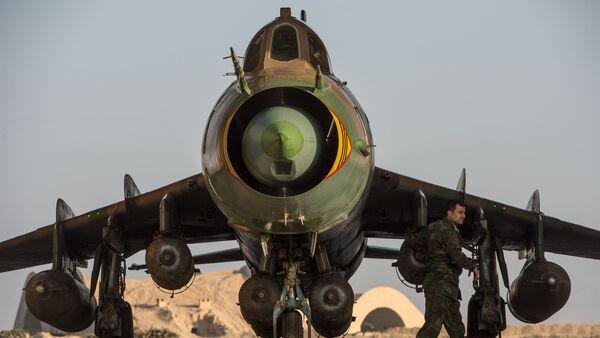 L'avion militaire Su-22 de l'armée de l'air syrienne sur la base aérienne à Homs - Sputnik France