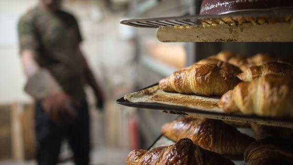 Un boulanger cède son commerce au sans-abri pour un euro symbolique - Sputnik France