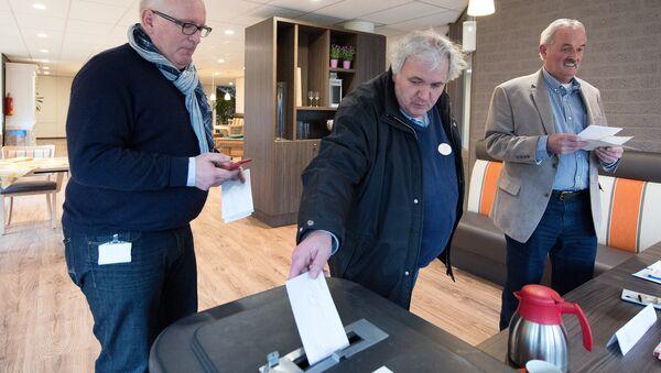 Le référendum aux Pays-Bas sur l'accord entre l'UE et l'Ukraine - Sputnik France