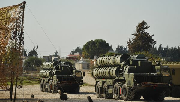 The S-400 on combat duty in Latakia, ensuring the safety of the Russian air group. - Sputnik France
