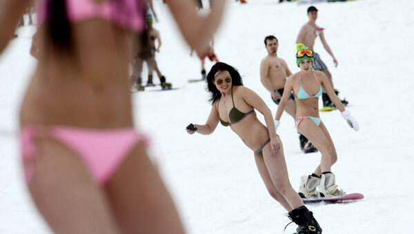 Les loisirs les plus fous sur fond de froids record dans le Nord russe! - Sputnik France