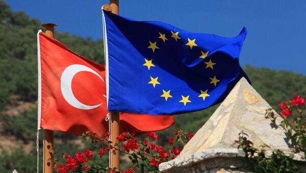 Turkish and EU flags - Sputnik France