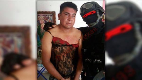 Ce marine mexicain qui costume les narcotrafiquants en lingerie - Sputnik France