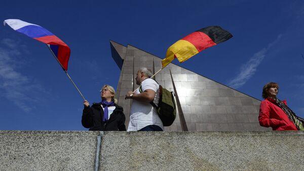 Nationalflaggen Russlands und Deutschlands in Berlin - Sputnik France