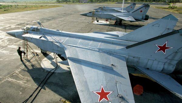 Le chasseur MiG-31 russe de la Flotte Pacifique de la Russie - Sputnik France