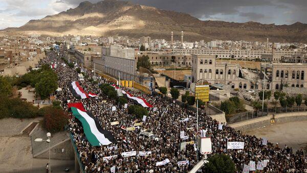Yémen: des milliers de gens dans les rues appelant à cesser les heurts - Sputnik France
