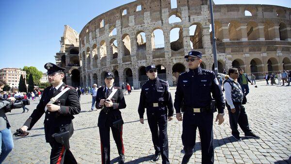 Des policiers chinois en renfort à Rome - Sputnik France