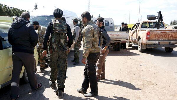 Des combattants du Front al-Nosra près de la ville syrienne d'Idlib - Sputnik France
