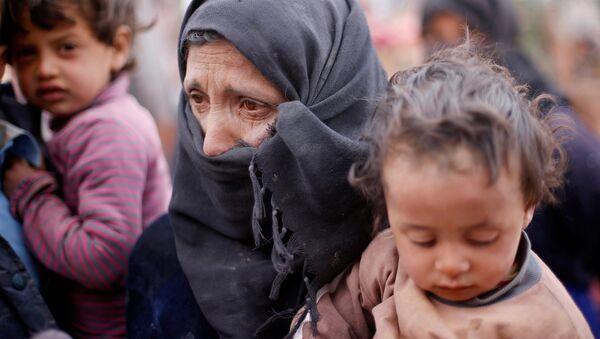 Les terroristes bloquent les civils dans l'est d'Alep, privés d'aide humanitaire - Sputnik France