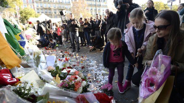 Hommage aux victimes des attentats du 13 novembre à Paris. - Sputnik France