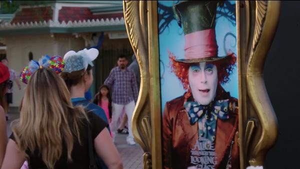 Johnny Depp surprend les visiteurs de Disneyland - Sputnik France