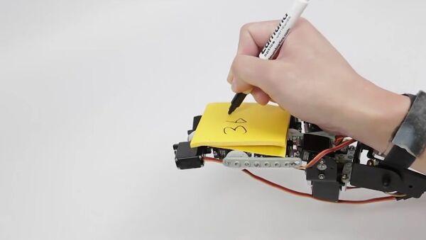 Un dispositif ultrasophistiqué qui peut remplacer plusieurs doigts ou même toute une main - Sputnik France