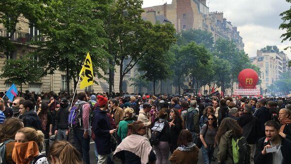 Une manifestation contre la loi Travail à Paris - Sputnik France