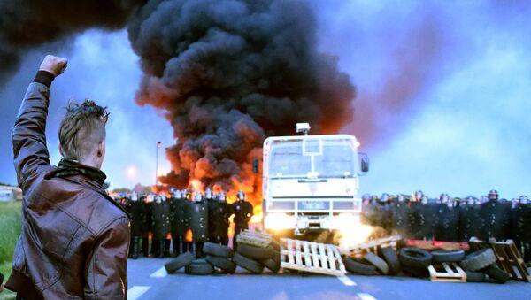 Des blocages et manifestations de grande envergure secouent la France - Sputnik France