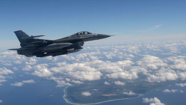 Un chasseur américain F-16 - Sputnik France