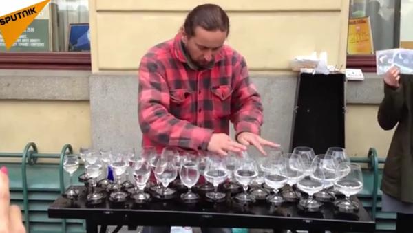 Quand les verres de vin se transforment en un instrument de musique - Sputnik France