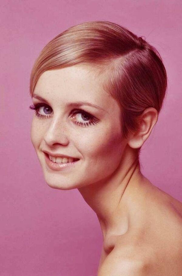 La nouvelle tendance des années 1960: les cheveux courts. Twiggy, un mannequin britannique, est devenue un exemple pour les femmes. - Sputnik France