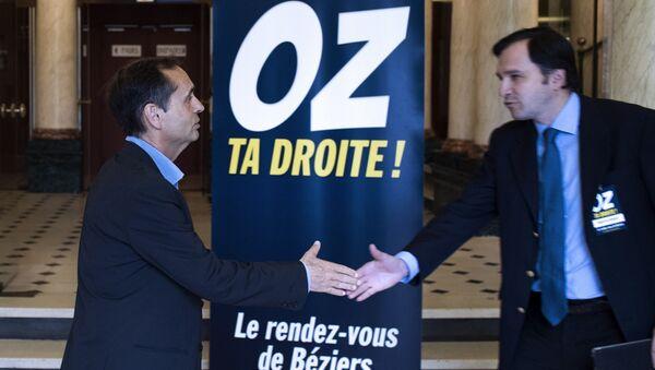 Face au FN, Robert Ménard Oz sa droite - Sputnik France