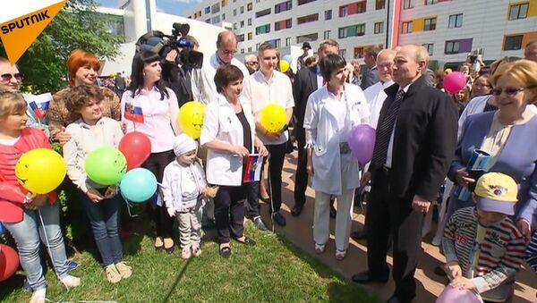 Poutine en visite dans une clinique pédiatrique de cancer - Sputnik France