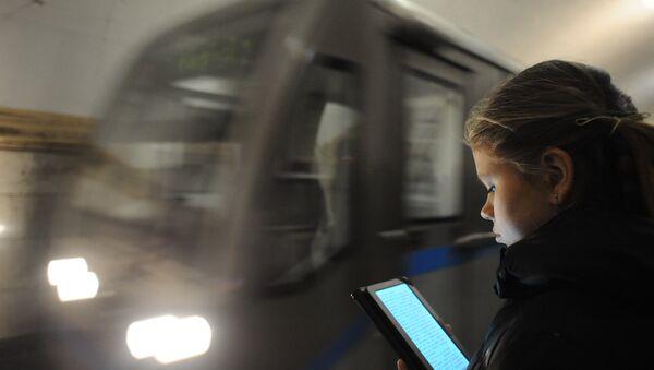 Le Wifi dans le métro de Moscou - Sputnik France