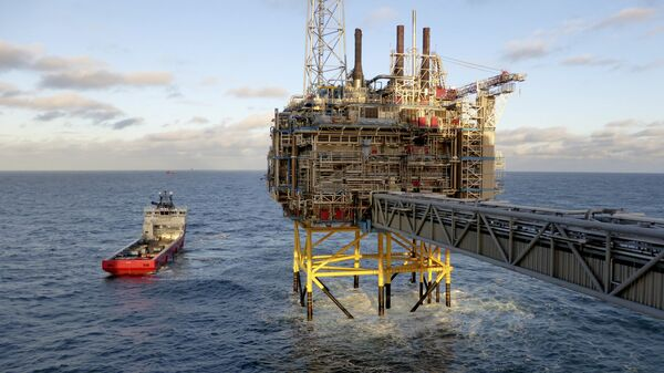 Oil and gas company Statoil gas processing and CO2 removal platform Sleipner T is pictured in the offshore near the Stavanger, Norway, February 11, 2016 - Sputnik France