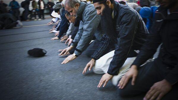 Des musulmans priant - Sputnik France