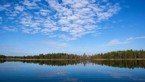 Lac en Russie. Image d'illustration - Sputnik France