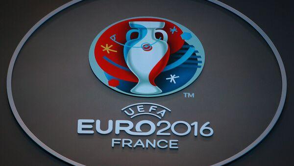 Le logo officiel de l'UEFA lors de l'Euro 2016 à Paris, France - Sputnik France