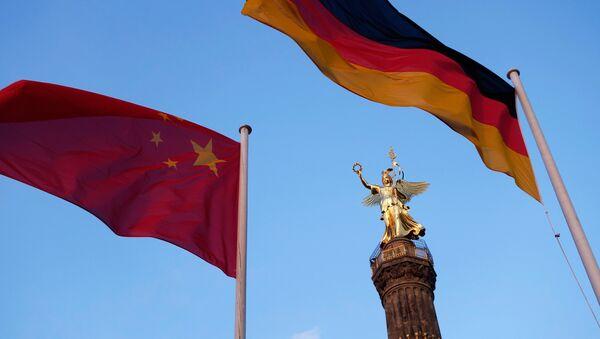 Drapeaux chinois et allemand à Berlin - Sputnik France