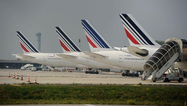 Les avions d'Air France sont stationnés sur le tarmac de l'aéroport Charles de Gaulle le 24 Septembre 2014 d'une grève des pilotes d'Air France - Sputnik France