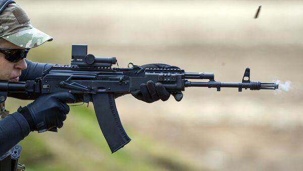 Fusil d'assaut AK-47M. Image d'illustration - Sputnik France