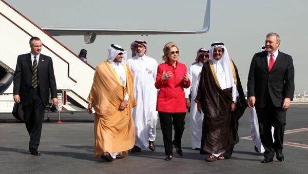 Hillary Clinton et des responsables saoudiens - Sputnik France