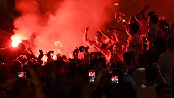 Supporteurs de foot - Sputnik France