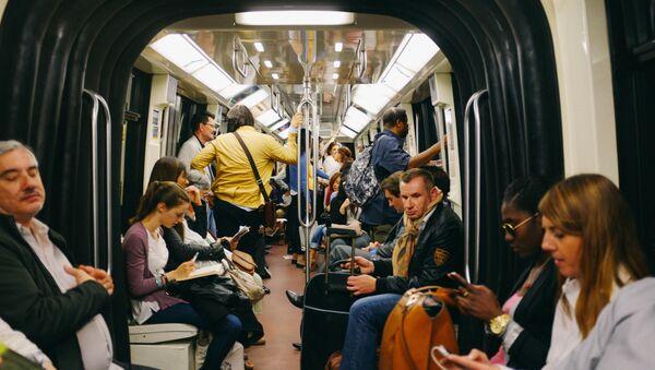 Le métro parisien  (image d'archive) - Sputnik France