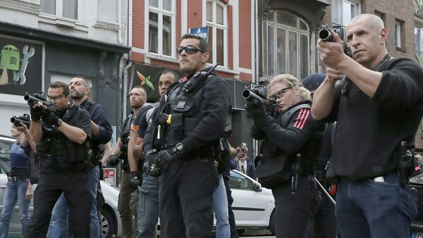Lille, France 15/6/16 Police face rowdy supporters in the center of Lille, France. - Sputnik France