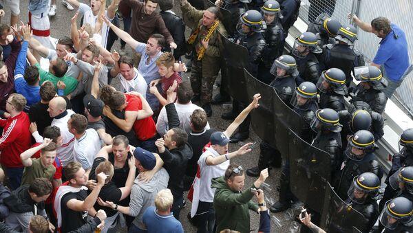 Les supporters de foot à Lille - Sputnik France