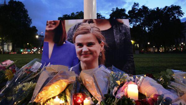 Meurtre de Jo Cox : entre deuil et récupération politique - Sputnik France