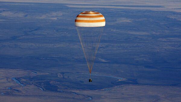 Atterrissage d'une capsule Soyouz - Sputnik France