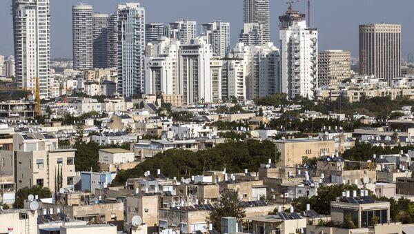 A general view taken shows buildings in the Israeli Mediterranean coastal city of Tel Aviv - Sputnik France