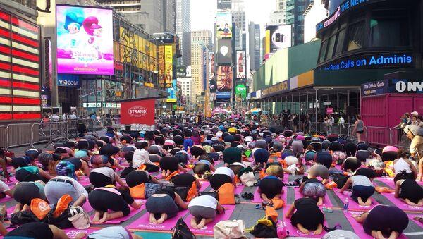 de fans de yoga à Times Square - Sputnik France