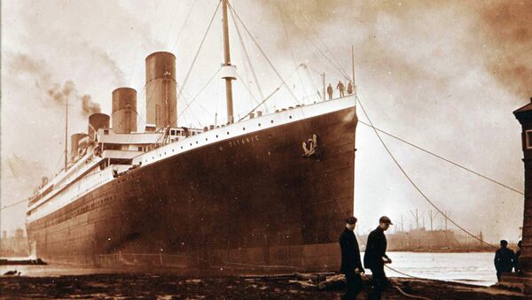 This image made available by the Ulster Folk & Transport Museum on Tuesday, Oct. 14, 2014, is a photograph of the Titanic in Belfast in a family album. The album featuring never seen before pictures was displayed Tuesday which showed the launch and departure of the Titanic from Belfast in 1912 - Sputnik France