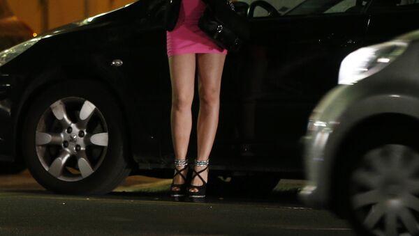 Fiasco total: racoler une prostituée et découvrir qu'elle est votre épouse - Sputnik France
